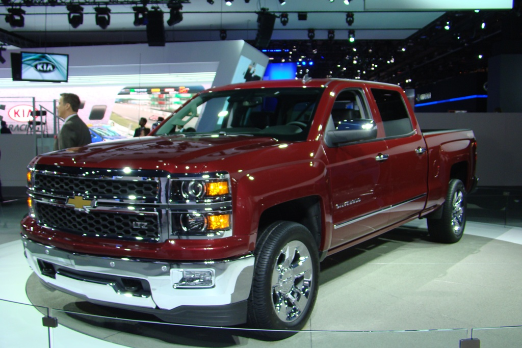 2014 chevy silverado from hood to hitch auto education 101. Black Bedroom Furniture Sets. Home Design Ideas
